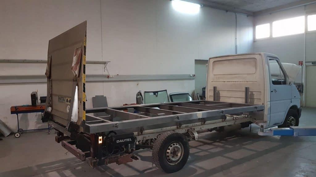 KFZ Spenglerei - Neuaufbau LT35